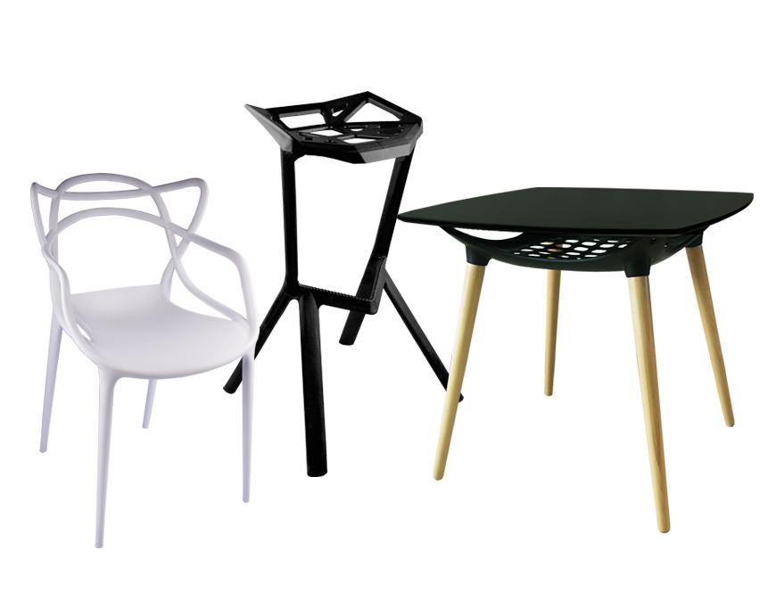 เก้าอี้และโต๊ะ
